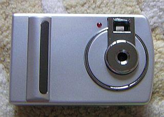 compact DIGITAL CAMERA.jpg